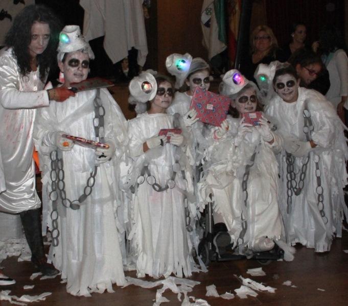 Fiesta halloween en la coronada - La casa de los disfraces sevilla montesierra ...